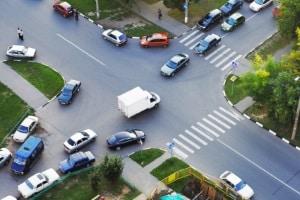 Auch innerorts können Sie zu langsam fahren, nämlich wenn Sie den Verkehr durch Ihre Geschwindigkeit behindern.