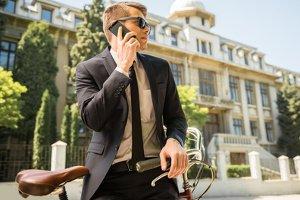 Noch etwas länger auf dem Fahrrad unterwegs: Für Ihr Kennzeichen können Sie die Reservierung mit einem Anruf verlängern.