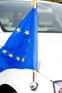 Die Kfz-Steuer in Deutschland gilt nach spätestens einem Jahr auch für ausländische Pkws.