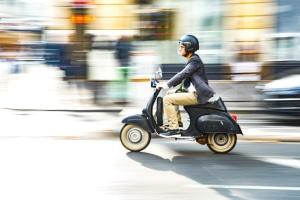 Es fällt keine Kfz-Steuer für einen Motorroller mit 125 ccm und höchstens 11 kW an.