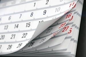 Neue Kfz-Versicherung: Im November wechseln Sie nicht direkt. Vielmehr müssen Sie dann zunächst kündigen.