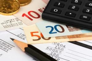 Bei einer Kfz-Versicherung sind die Kosten teils sehr unterschiedlich.