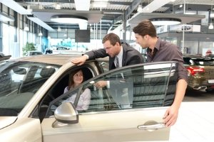 Die Kfz-Versicherung zu wechseln ist bei neuem Auto problemlos möglich.