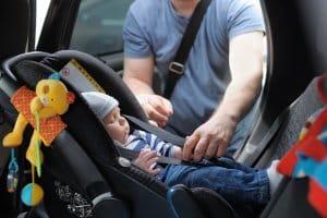 Kinder, ob im LKW oder PKW, müssen immer angeschnallt sein.