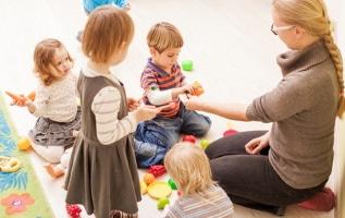 Für einige Berufsgruppen ist die Kinderbetreuung in Corona-Zeiten sichergestellt.