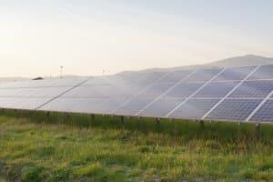 Klimaschutzpolitik: Klima- und Naturschutz sollen furch erneuerbare Energien vorangetrieben werden. Hier ist auch die Wirtschaft gefragt.