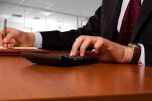 Kreditrechner fürs Auto erleichtern Ihnen die Suche nach einem günstigen Autokredit.