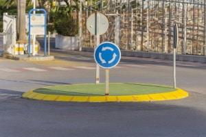 Kreisverkehr: In Irland gehört ein solcher zum Straßenbild.