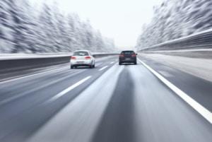 Kroatien: Auf de Autobahn ist im Winter das Abblendlicht einzuschalten.