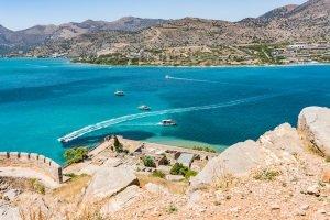 Kroatien: Urlaub mit dem Auto bedeutet auch, sich nach den geltenden Verkehrsregeln zu richten.