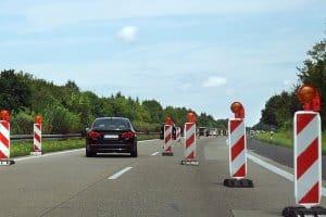 Künstliche Baustellen sollen paradoxerweise Unfälle verhindern.