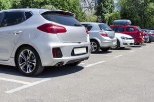 Wann jemand als Kurzzeitparker gilt, kann je nach Umgebung bzw. Parkordnung variieren.
