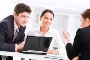 Bei einer Legalzession ist die Versicherung später sozusagen in der Position des Gläubigers.