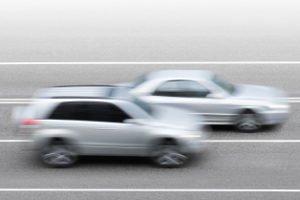 Lichthupe beim Überholen: In der Fahrschule wird regelmäßig auf den vorsichtigen Einsatz hingewiesen.