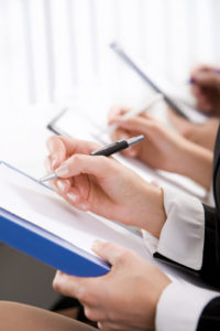 Der Linienverfolgungstest ist eine von mehren Aufgaben, die während einer MPU absolviert werden müssen.