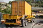 Ein LKW mit 7,5 t kann eine Zuladung von bis zu 2 bis 3 t zulassen.