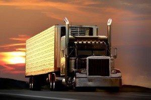 Einen LKW abschleppen: Das ist oft nötig, wenn das Fahrzeug liegen bleibt.