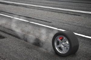 Neben der Profiltiefe muss bei einem LKW auch der Reifendruck regelmäßig überprüft werden.