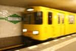 Verstoß gegen die Maskenpflicht in Berlin: Ein Bußgeld ab 50 Euro soll künftig Maskenverweigerern in U-Bahn & Co. drohen.