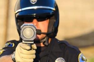 Auch bei der Maskierung gibt es keine Narrenfreiheit im Straßenverkehr: Die originale Polizei-Dienstkleidung ist verboten.