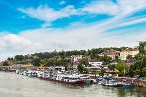 Die Maut gilt in Serbien sowohl für PKW als auch für Motorräder, Wohnmobile, Busse und LKW.