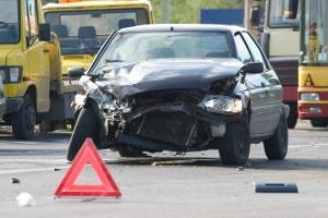 Ein polizeilich meldepflichtiger Unfall liegt vor, wenn es auch zu Personenschaden kam.
