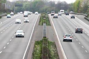 Besonders auf mehrspurigen Autobahnen kann es zu Messfehlern kommen.
