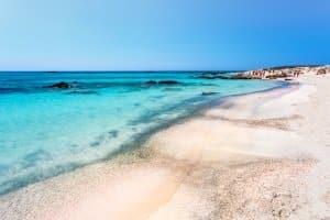 Mietauto in Griechenland: Damit lassen sich die wundervollen Landschaften auf eigene Faust erkunden.