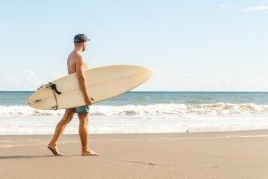 Auf zum Strand: Worauf sollten Urlauber bei einem Mietwagen auf Fuerteventura achten?