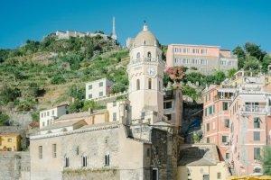 Auch mit einem Mietwagen in Italien sollten Sie die örtlichen Verkehrsregeln kennen.