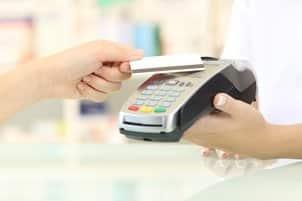 Wie Sie einen Mietwagen in Rhodos bezahlen können? Am einfachsten geht das mit Kreditkarte.