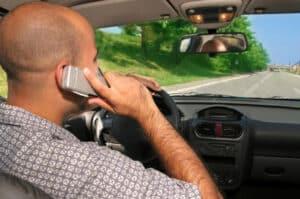 Verursachen Sie durch fahrlässiges Verhalten mit einem Mietwagen einen Unfall, greift die Versicherung nicht.