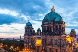 Ein Mietwagen für ein Wochenende in Berlin kann sich lohnen.