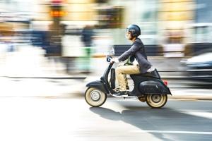 Die Bundesländer können künftig selbst entscheiden, ob sie das Mindestalter für den Mopedführerschein absenken.