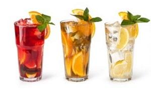 Ein Mischkonsum von Ephedrin und Alkohol hat gefährliche Kombinationseffekte.