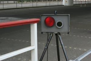 Mobile Blitzer - Fluch für Autofahrer und Segen für Behörden: Was können die Messgeräte?
