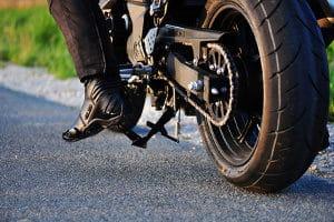 Am Ende der Saison müssen Sie Ihr Motorrad winterfest machen.