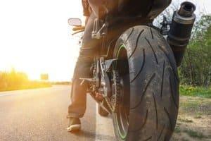 Wer eine Motorradtour macht, sollte die mögliche Gefahr eines Unfalls nicht unterschätzen.