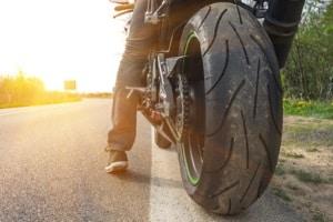 Ein Motorradunfall kann Schmerzensgeld in hohen Summen begründen.