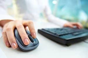 Der MPU-Reaktionstest erfolgt am Computer über eine standardisierte Software.