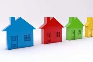 Beim Nachbarschaftsrecht ist es wichtig, wie weit der Baum von der Grundstücksgrenze entfernt steht