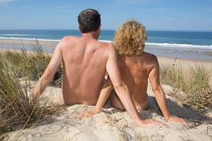 Fkk-ler aufgepasst: Mitunter kann Nacktbaden und Co. verboten sein