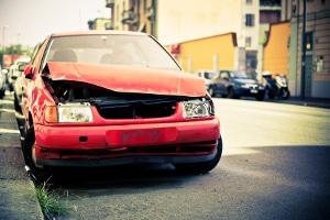 Neues Kennzeichen: Nach einem Unfall müssen Sie ein solches beantragen, wenn das alte beschädigt wurde.