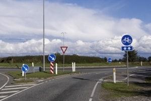 In Norwegen regeln Verkehrszeichen nicht nur den Verkehr, sondern zeigen z. B. auch Sehenswürdigkeiten an