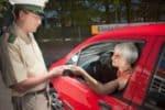 Die Nutzungsuntersagung kann bei ausländischen Führerscheinen anstelle eines Entzugs erfolgen.