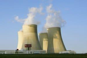 Ökostrom im Vergleich: Neben der Kohle ist die Spaltung von Atomen weiterhin ein wichtiger Energielieferant in Deutschland.