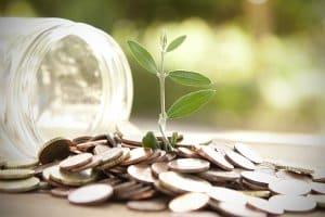 Ökostrom muss im Vergleich nicht unbedingt teurer sein als konventioneller Strom.
