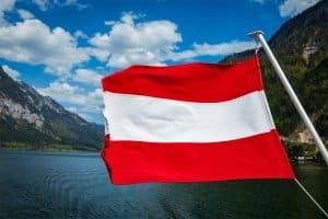 In Österreich herrscht für Lkw ein Fahrverbot an Sonn- und Feiertagen sowie allen Samstagen und nachts.