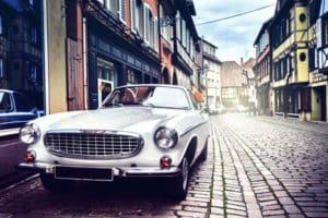 Einen Oldtimer zu versichern ist für Autofans empfehlenswert.