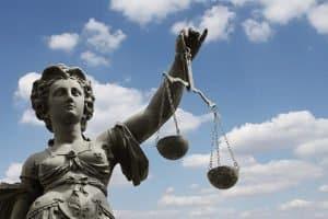 Die Rechtsprechung entwickelte für den Onlineshop eine AGB-Pflicht für Verträge zwischen Unternehmern und Verbrauchern.